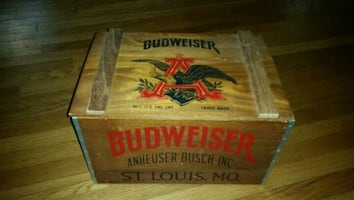 Classic budweiser small chest