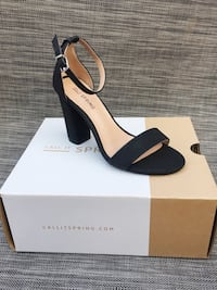 Simple black comfortable heels. Cute with any outfit! Toronto, M6E 1T7