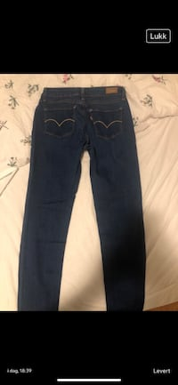 Levis slim fit 26 / 32 Oslo, 0691