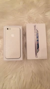 White iphone 4 with box Barrie, L4M 1A4
