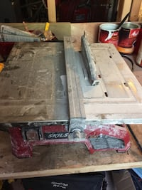 Red and grey tile table saw