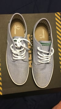 gray fred perry low top sneakers - size 9 Vaughan, L4L 1S2