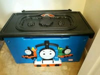 Thomas train toy chest with tracksl Bakersfield, 93314