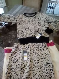Rachel roy leapord print sweater brand new w/tags Sellersburg, 47172