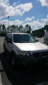 Ford - Escape - 2005 Birmingham, 35216