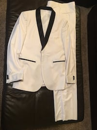 Prom suit - white coat and pants Mobile, 36609