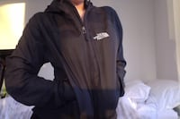 Women's north face wind breaker  Mississauga, L5B 4N4