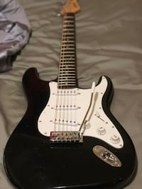 Fender guitar excel in excellent condition selling cause just don't have time to play anymore it has new strings a removable whammy bar included in excellent condition will include free guitar stand can get more pics or meet up to see  Fort Walton Beach, 32547