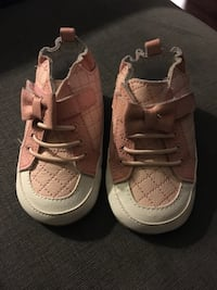 pair of brown leather low-top sneakers Mississauga, L4W