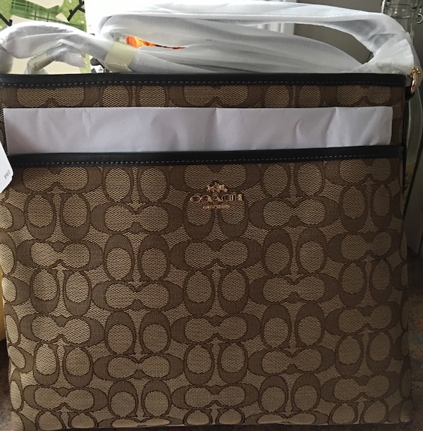 8ee1136594d2 Used Authentic Coach Bag Brand New for sale in East Hampton - letgo