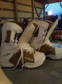 Womens size 8 snowboard boots Abbotsford, V2T 5A6