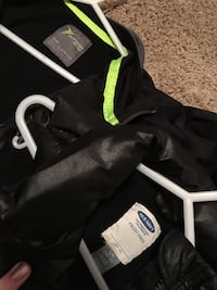 Old Navy vest and Active zipper jacket Woolwich, N0B
