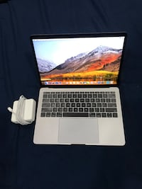 2018 MacBook Pro 13 inch (Not Touch Bar) i5 256 SSD Like New  Greenbelt, 20770