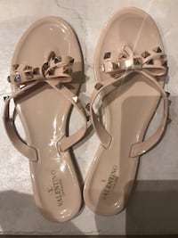 Valentino Studded Bow Flip Flops!!!!!! Vaughan, L4H 1S7