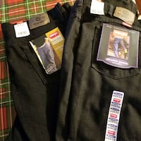 Wranglers men jeans 40x32 NEW 10.00ea. Red Lion, 17356