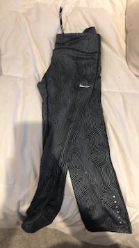 Nike dry fit workout pant  Dundas, L9H 1T2