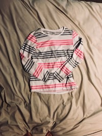 Child's long-sleeve tee- size 10-12 West Dundee, 60118