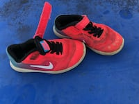 pair of red Nike running shoes Gilmer, 75645