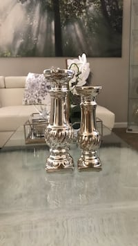 two clear glass candle holders Ocala, 34473