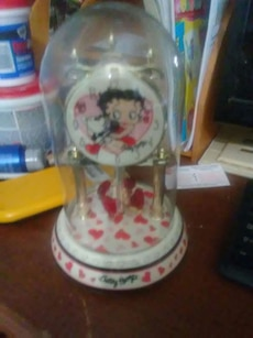 red and white Betty Boop snowglobe