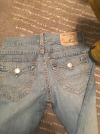 true religion size  32 Wilmington, 28403
