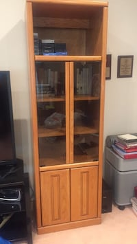 2 wooden framed glass cabinet Los Angeles, 91326