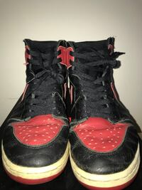black-and-red Air Jordan basketball shoes Vienna, 22031