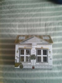 white and brown house themed cardboard box Lewes, 19958