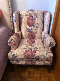 Flower arm chair   Mississauga, L4W 4A8