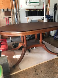GORGEOUS Dining Table-PRISTINE CONDITION  Mississauga, L4Y 3J8