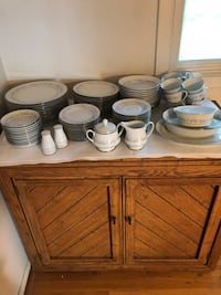 Noritake China. Service for 12 Flanders, 07836