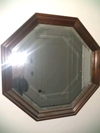 Hexagon etched edges on mirror excellent condition