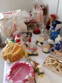 Vintage items left from estate sale  null