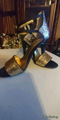 Sparkly Gold and Silver heels sz 8 Bryan