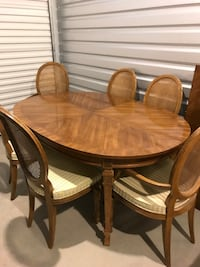 Drexel dining table/6 chairs/2 leaves