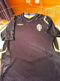 Sweden soccer Jersey XL 100% Umbro product Toronto, M2R 1X8