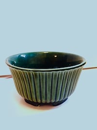 Vintage Hull USA F10 Pottery Evergreen Planter Bowl  Chicago
