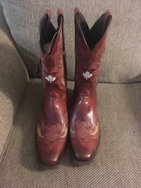 Pair of red leather cowboy boots Toronto, M1L 2N6