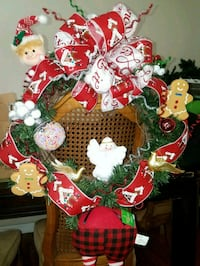 gingerbread wreath Los Angeles, 91342