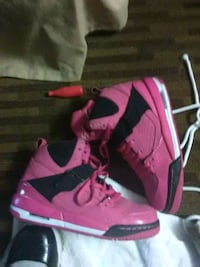 pair of pink-and-black Nike basketball shoes New Castle, 19720
