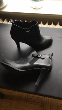 pair of black leather platform stilettos Toronto, M4L 3B8