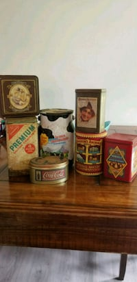 Old collectible tins Steubenville, 43952