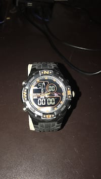 Watch (great condition) 390 mi