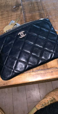 black leather chanel wallet like new Los Angeles, 90045