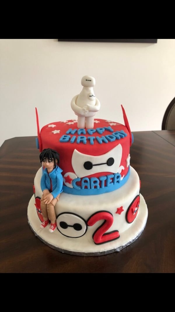 Personalized cakes bf58bbe5-c2a4-49e3-91ed-34b6716581ee