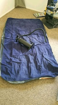 Air mattress, comes with pump Elkhart