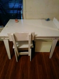 rectangular white wooden table with four chairs dining set Columbus, 43215