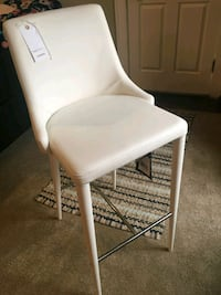 white leather padded armless chair Newark, 43055