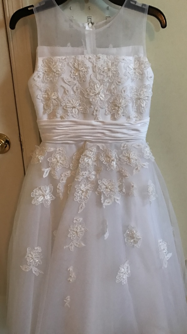 9db3808cb9a Used Exquisite Joan Calabrese for Mon Cheri First Communion Dress - Size 8  for sale in Perry Hall - letgo
