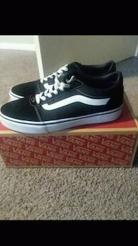 9.5 black vans New Port Richey, 34653
